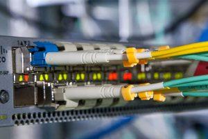 como funciona la fibra optica